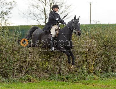 Paul Towns jumping a hedge above Clawson Thorns