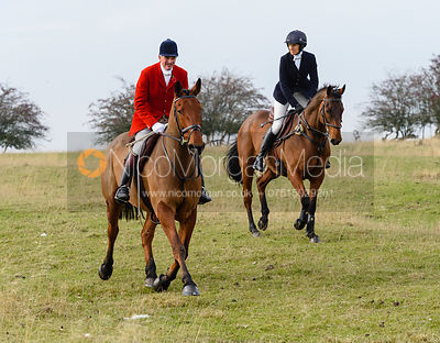 Ashley Bealby, Zoe Gibson above Braunston. The Cottesmore Hunt at Braunston