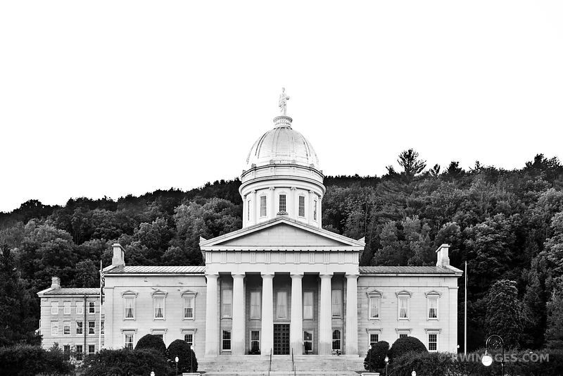 VERMONT STATE HOUSE CAPITOL BUILDING MONTPELIER VERMONT BLACK AND WHITE