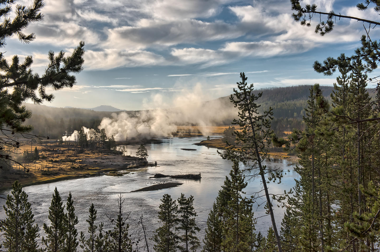 Yellowstone-River-0288710-HDR