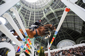 Paris, France, 17.3.2018, Sport, Reitsport, Saut Hermes - PRIX du 24 Faubourg Bild zeigt Denis LYNCH(IRL) riding All Star 5.....