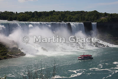 American Falls and Bridal Veil Falls (right), Niagara Falls, New York, USA, photographed from the Canadian side