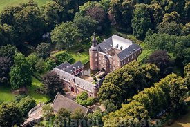 Well - Luchtfoto van Kasteel Well