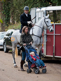 The Earl of Verulam and Rosie Grimston - The Quorn Hunt at Centaur Stud, Cold Newton 18/11/11.