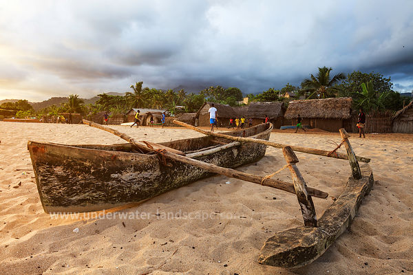 Traditional canoe - Moheli beach
