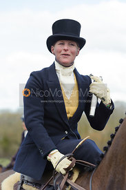Lizzie Harris - Dianas of the Chase - Side Saddle Race 2014.