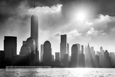 Mist over the lower Manhattan skyline, New York - BP4473BW