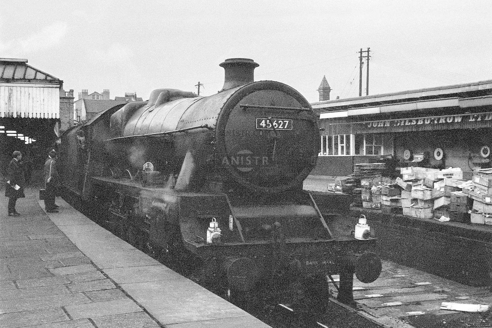 Steam loco Jubilee 45627 Preston