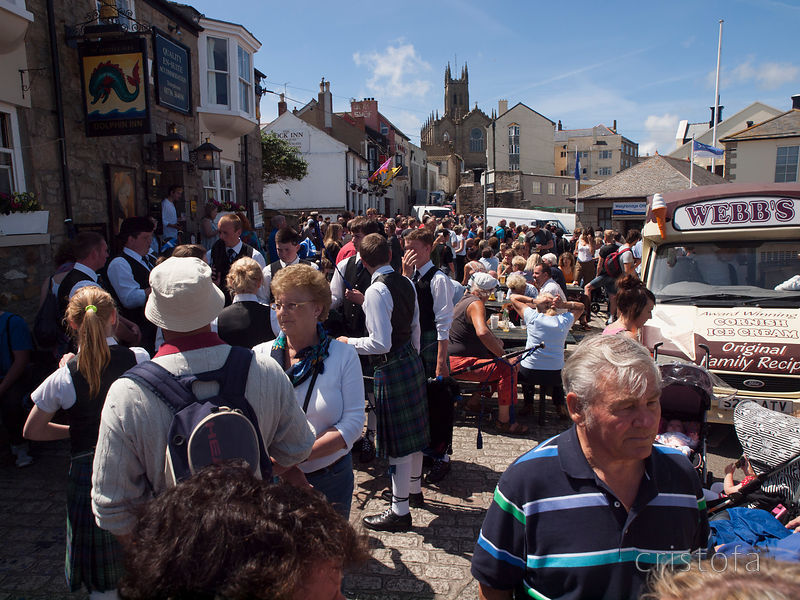 crowds by the harbour on Golowan quay day