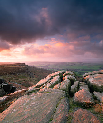 Curbar Edge dramatic sunrise | Peak District Photography
