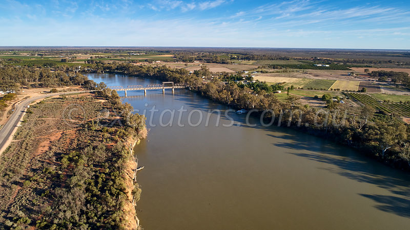 Abbotsford Bridge crossing Murray River, Curlwaa, NSW, Australia.