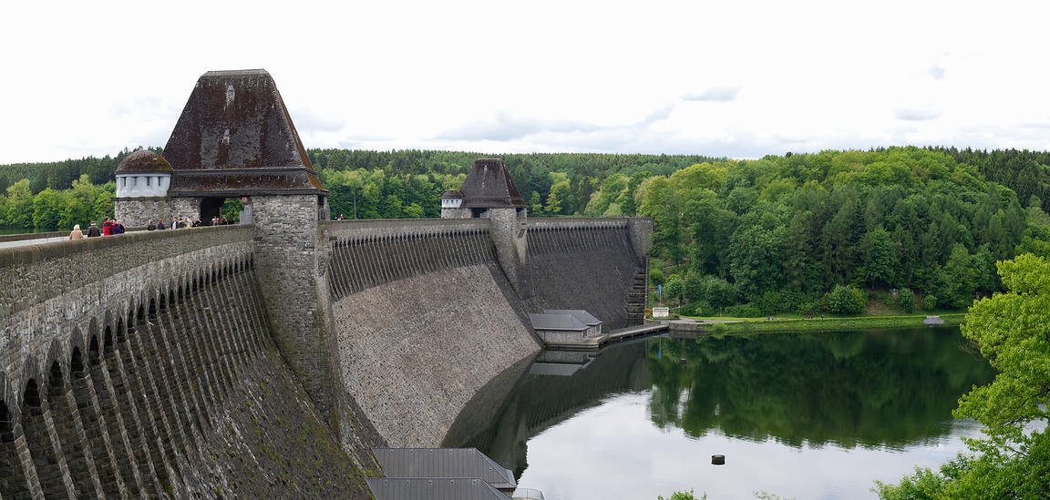 Mohne Dam wide view