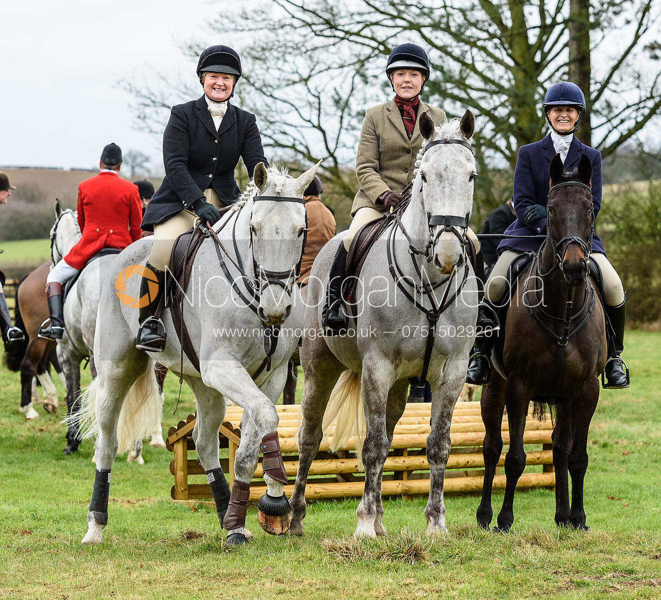 Georgie Mason, Claire Hallam, Justine Smiley-Jones at the meet at Eaton Grange. The Belvoir Hunt at Eaton Grange 7/2