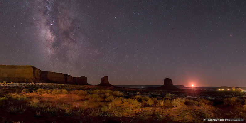 Galactic mesas - Monument Valley - Arizona/Utah