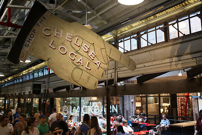 Foule de personnes dans Chelsea market, Manhattan, New York, USA / Crowd of people in Chelsea market, Manhattan, New York, USA