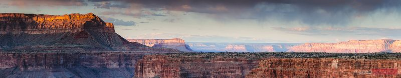 Panoramic of the Grand Canyon at sunset, USA