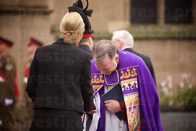 The Very Revd David Robert Monteith, Dean of Leicester Cathedral gbows to Sophie Countess of Wessex
