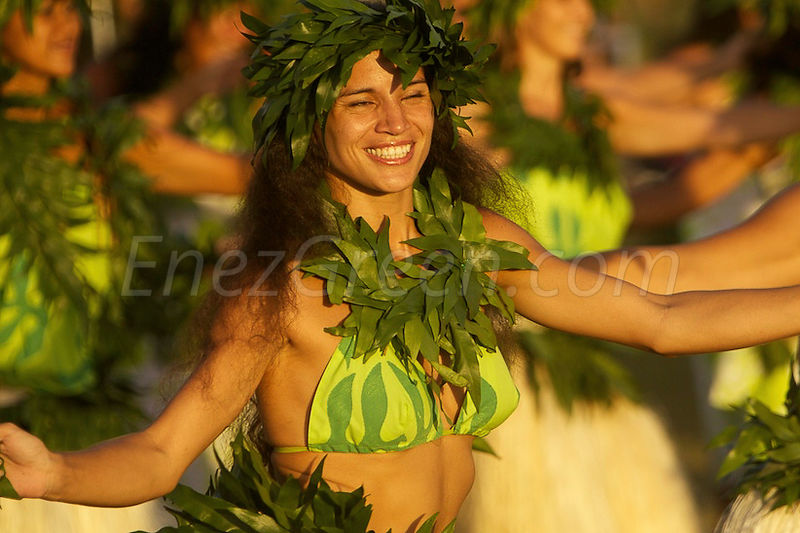 Tahiti Heiva dancing girl