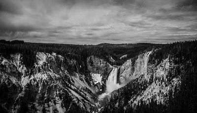 2025-Upper_Falls_Yellowstone_National_Park_Wyoming_USA_2014_Laurent_Baheux