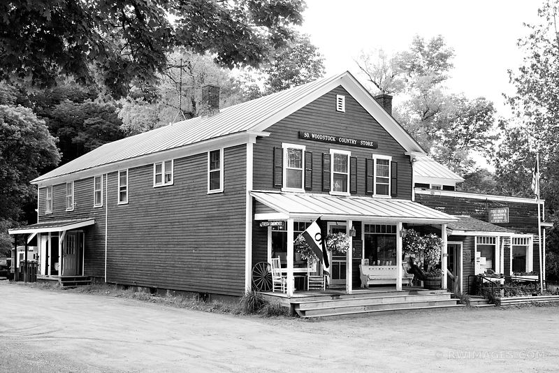 WOODSTOCK COUNTRY STORE VERMONT BLACK AND WHITE