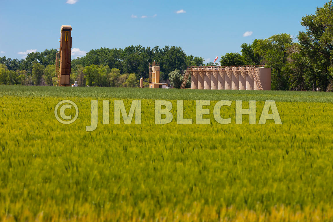 Oil and Gas Stock Photography | Weatherford Pump in Wheat Field