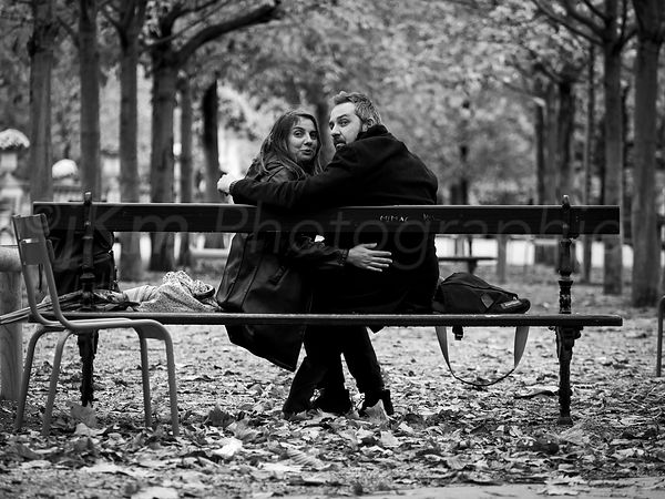 Street Photo - Love in Paris