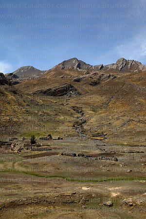 Small farming community in valley, Tunari National Park, Bolivia