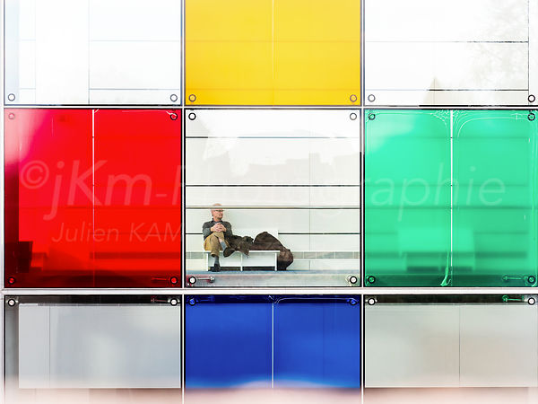 Street Photo - Living in a colored World