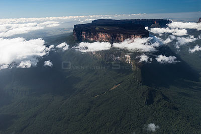 Mount Roraima is the highest of the Pakaraima chain of Tepuis plateaus in South America, Pakarajma Mountains, near Phillipai,...