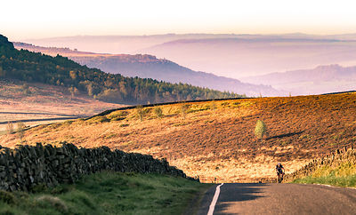 Final pull up the hill to Stanage Edge | Peak District Photography