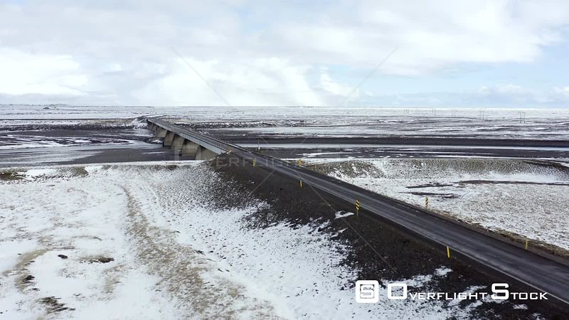 Car Driving on Icelandic Roads During the Winter