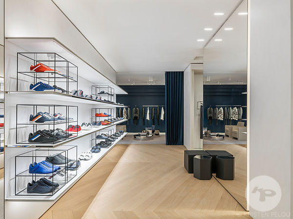Retail architecture photographer - Dior Flagship store, New Bond Street, Westminster, London, UK. Photo ©Kristen Pelou