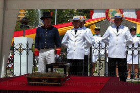 Bolivian Navy members guard the remains of Eduardo Abaroa during official events for Dia del Mar / Day of the Sea, Plaza Avar...