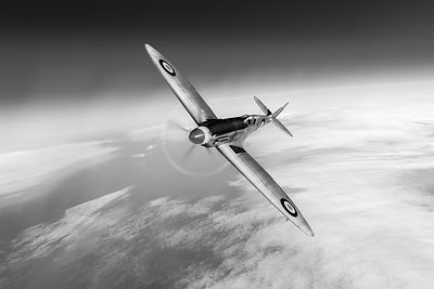 Spitfire PR XIX PS852 black and white version