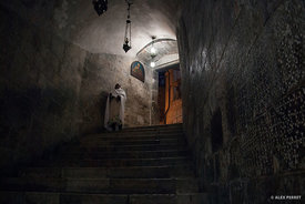 Inside_of_Holy_Sepulchre_