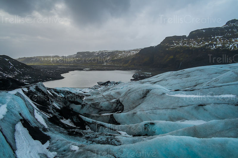 A lake has formed from the rapid melting of a glacier in Iceland.