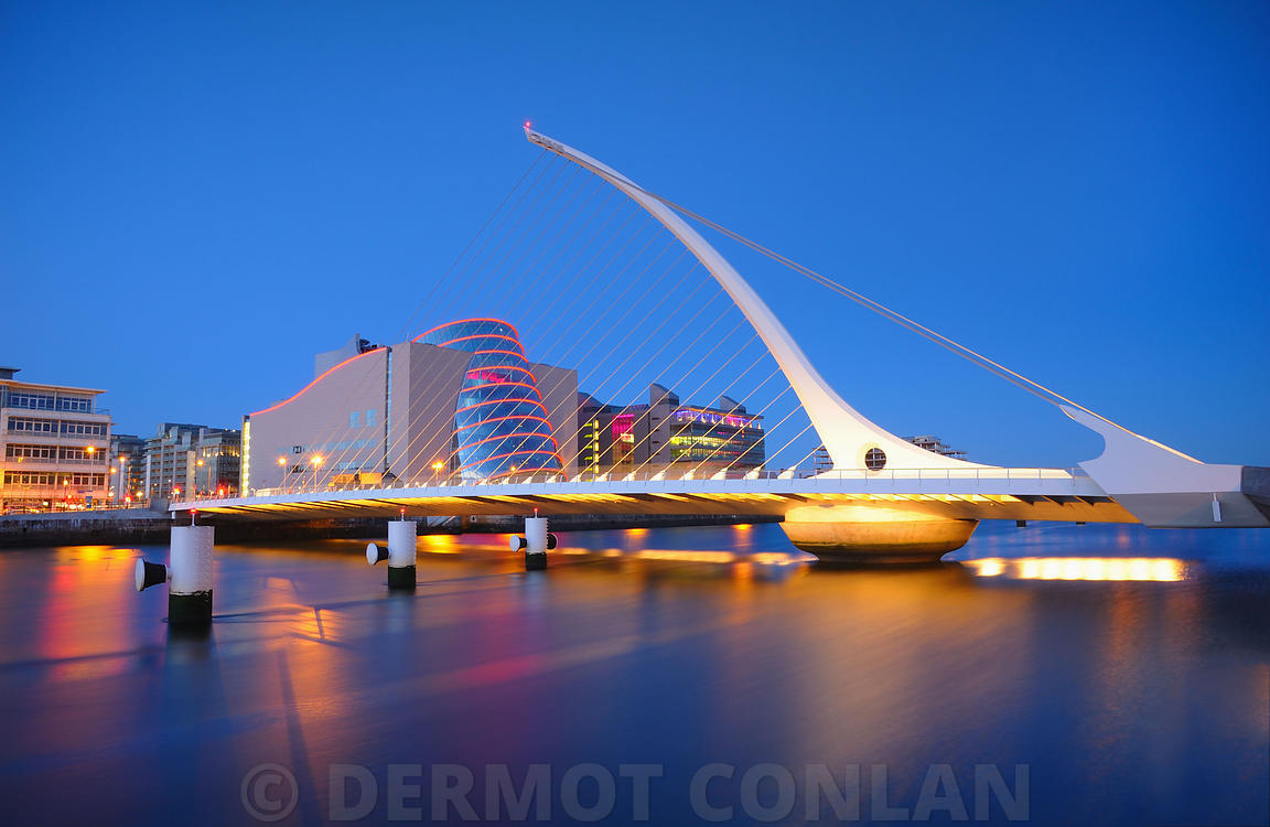 Samuel Beckett Bridge at dusk - Dublin, Ireland
