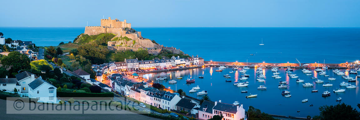 Mont Orgueil and the harbour of Gorey - BP3838
