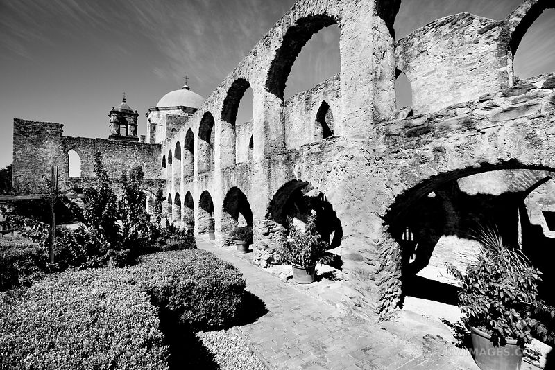 MISSION SAN JOSE SAN ANTONIO TEXAS BLACK AND WHITE