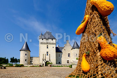 FRANCE, MAINE ET LOIRE, CHATEAU DU RIVAU // France, Loire Valley, Castle of Rivau