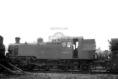 PHOTOS OF STANDARD 2MT 2-6-2T CLASS STEAM LOCOS