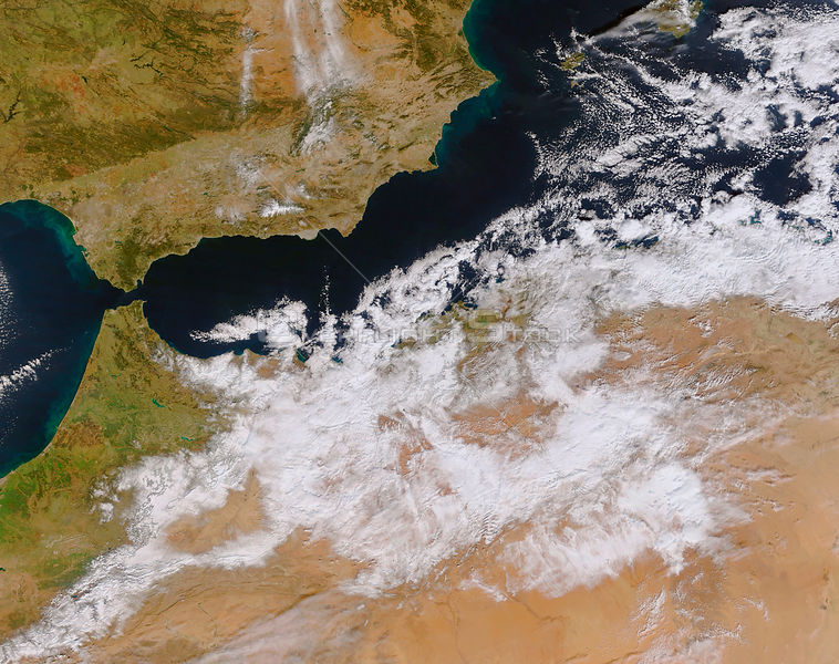 EARTH North Africa -- 28 Jan 2005 -- Winter weather descended on Northern Africa on the 26 and 27 January, 2005, leaving part...