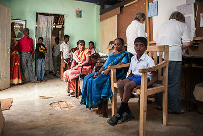 Eye-clinic-Pussellawa-Sri-Lanka-copyright-Rob-Johns_MG_3220