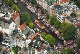 Amsterdam - Luchtfoto Canal Parade 06