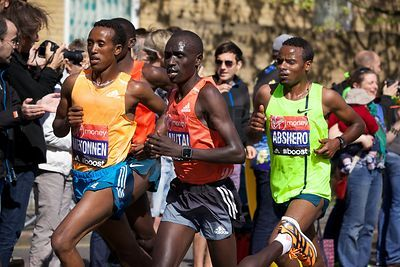 The leading group of Elite Male Runners in the London Marathon 2014
