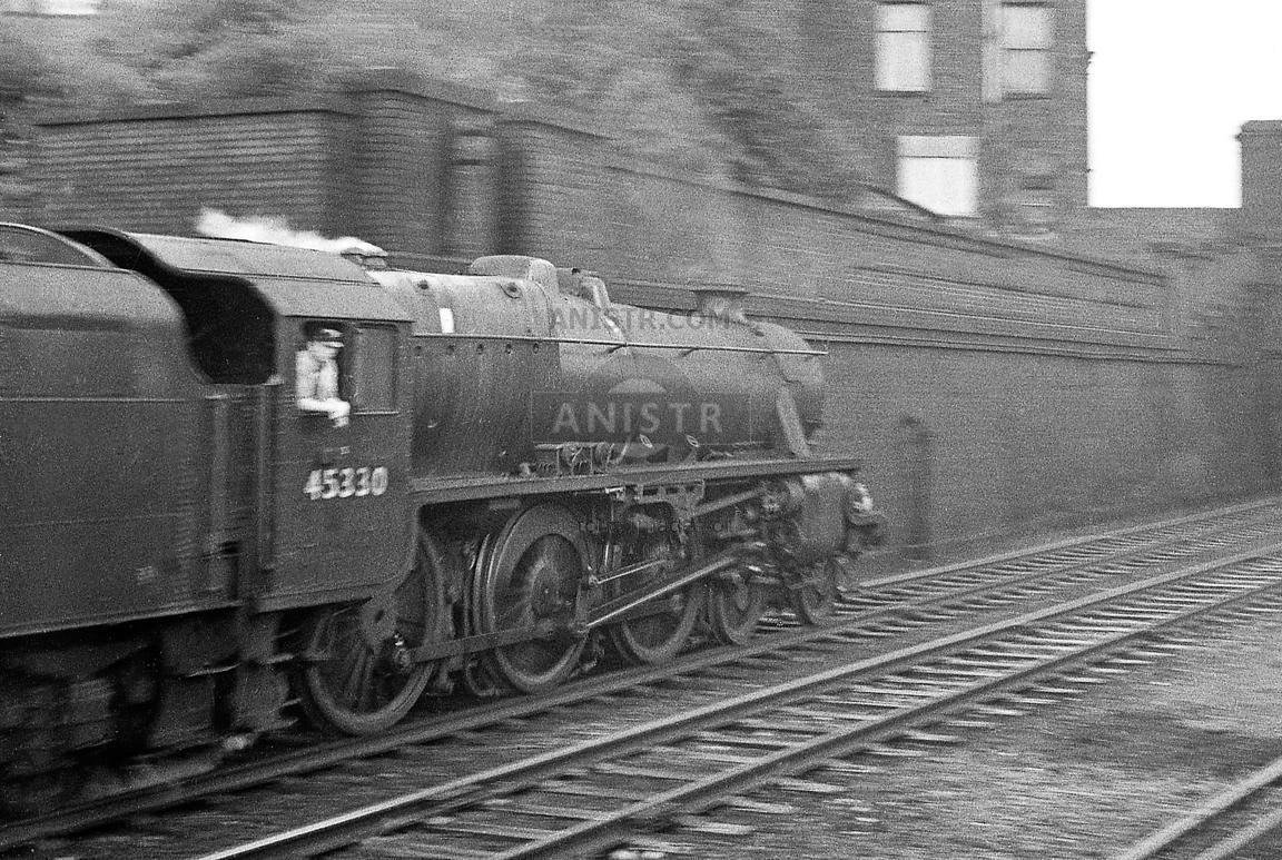 Steam loco Black 5 45330  Preston