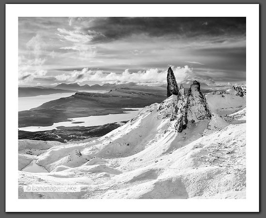 Winter, the Old Man of Storr (BP2303BW2)