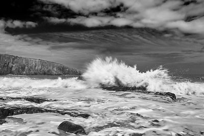 Exploding waves (B&W) fine art metal wall decor