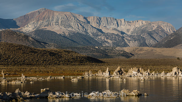 Mono Lake and tufa Formations in morning sun