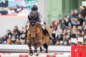 Paris, France, 17.3.2018, Sport, Reitsport, Saut Hermes - PRIX GL Events Bild zeigt Malin BARYARD-JOHNSSON(SWE) riding H&M In...